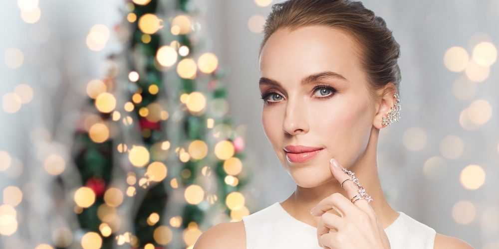 SIX TOUCHES TO HELP YOU LOOK FABULOUS THIS HOLIDAY SEASON
